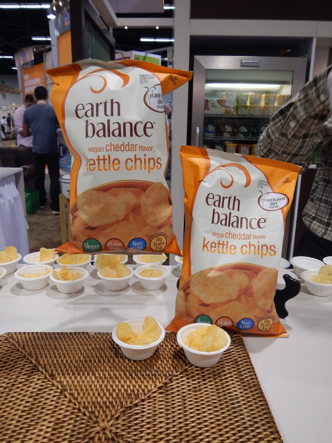 natrual products expo west review - earth balance cheddar kettle chips