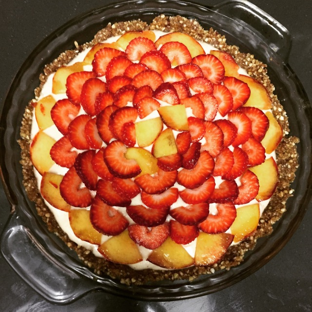 raw cheesecake tart with fresh fruit